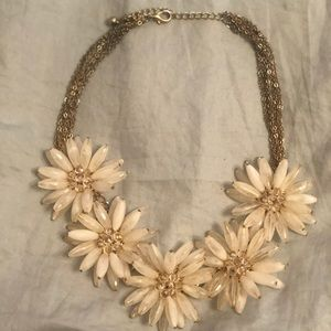 Chunky Flower Necklace Ivory with gold chain